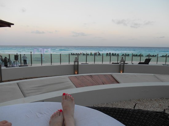 ME Cancun : area to relax