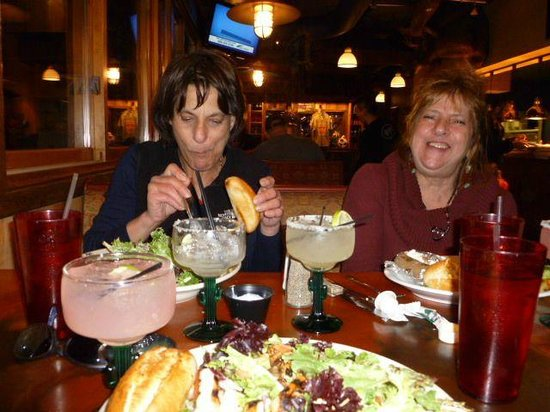 Zax Restaurant & Watering Hole : My 2 sisters