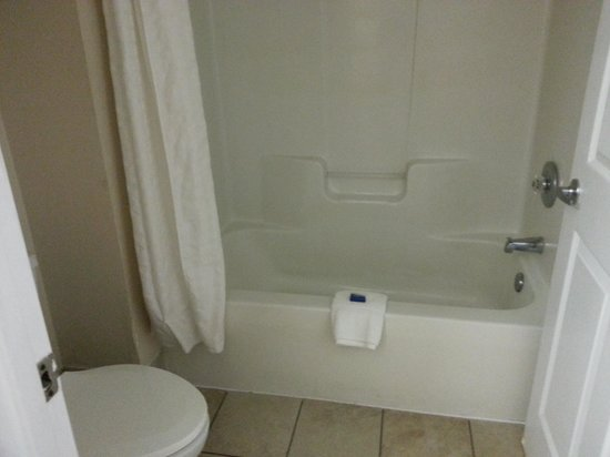 BEST WESTERN Hammond Inn & Suites: bathroom