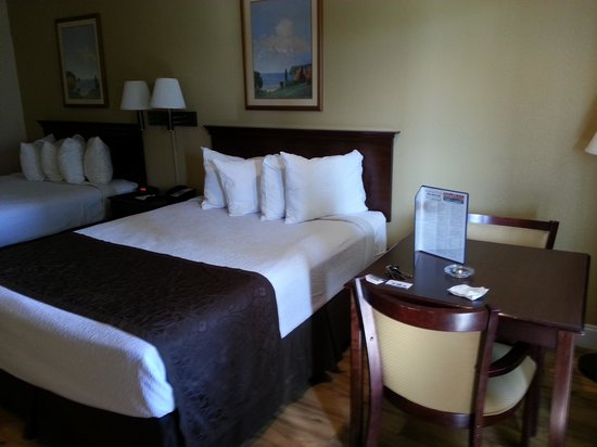 BEST WESTERN Hammond Inn & Suites: queen room