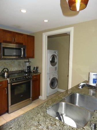 Honua Kai Resort & Spa: Kitchen and Laundry