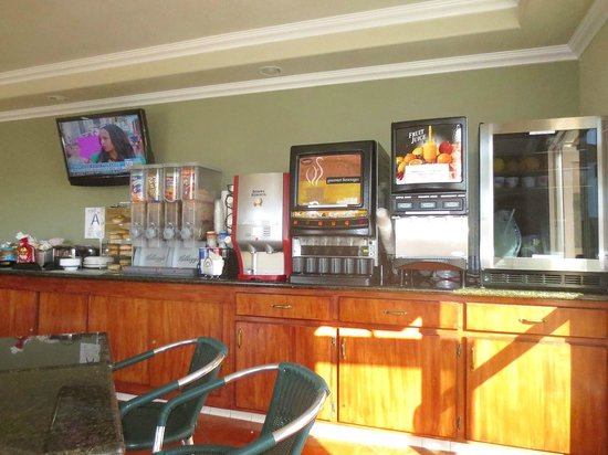 Rodeway Inn Barstow: Some of the breakfast choices