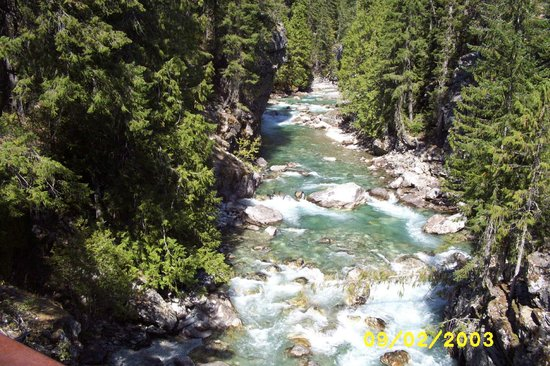 Stehekin Valley Ranch: river at high bridge