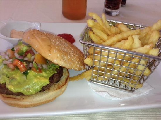 Los Charros y Los Pinches Chaparros: Angus Burger