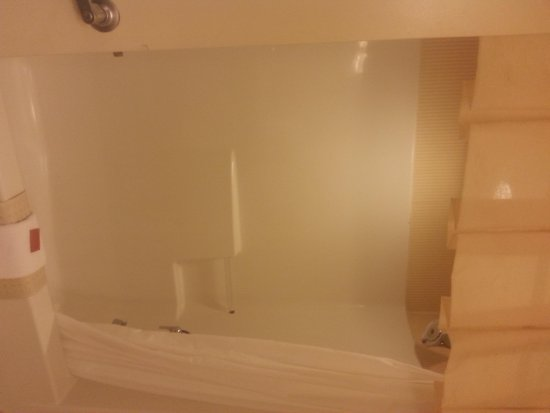Hollywood Casino Tunica Hotel: Shower Tub