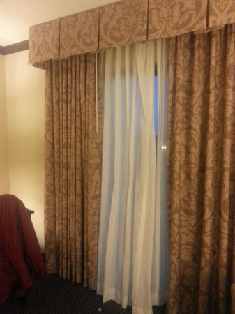 Hollywood Casino Tunica Hotel: WIndow - Sliding Glass Door