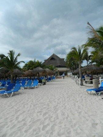 Viva Wyndham Maya : vue de la mer vers l'hotel