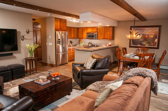 Antlers at Vail: Living and kitchen of recently upgraded 2-bedroom condominium
