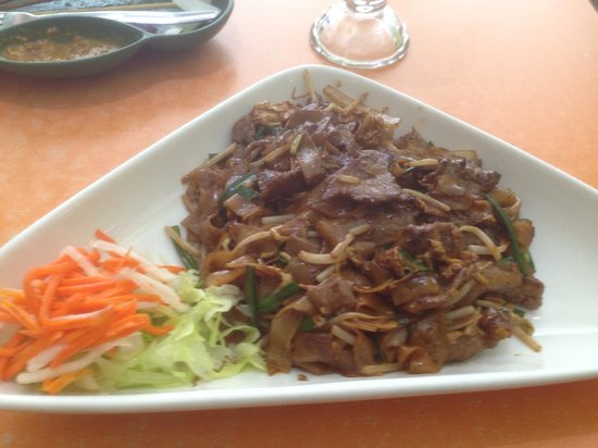 Your Thai: Beef Hor Fun