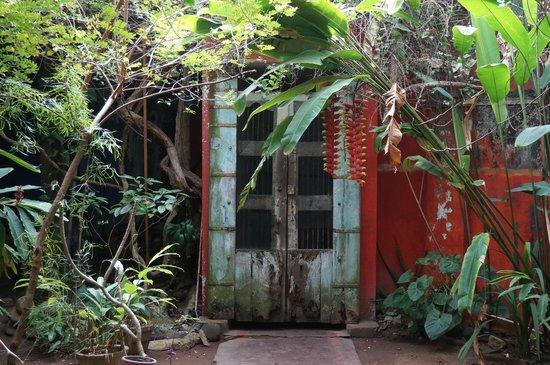 House of Arts: HOA entrance door