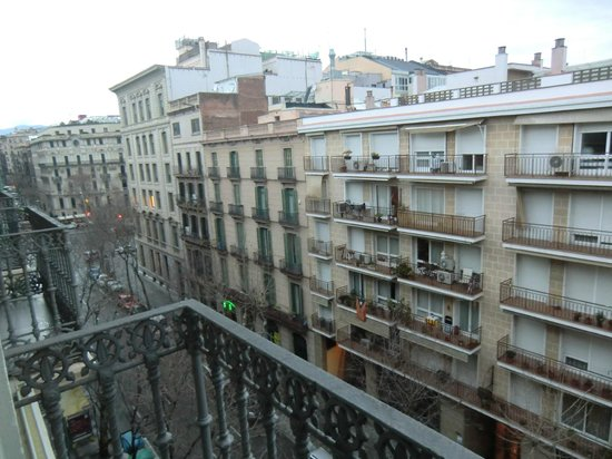 Hotel Constanza Barcelona : view from balcony