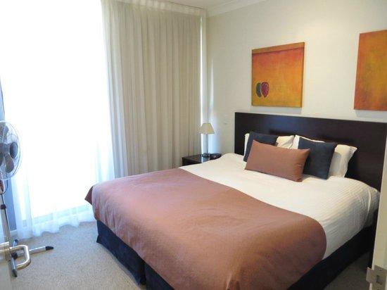 Macquarie Waters Hotel & Apartments: bedroom
