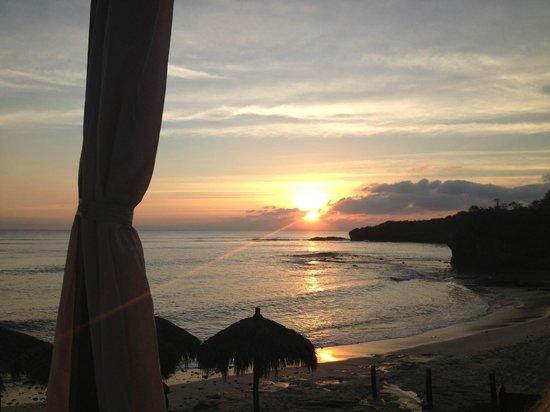 The Royal Suites Punta de Mita by Palladium: Sunset on the beach