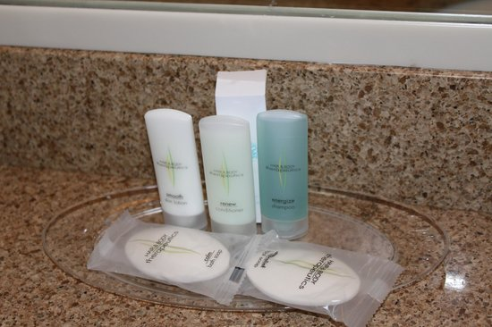Comfort Suites Seven Mile Beach : provided toiletries