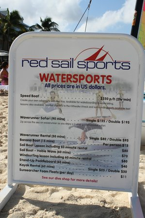 Comfort Suites Seven Mile Beach: on a beach provided watersports