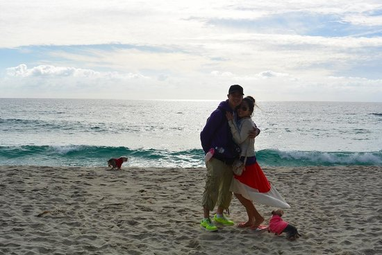 Laguna Beach: family on the beach