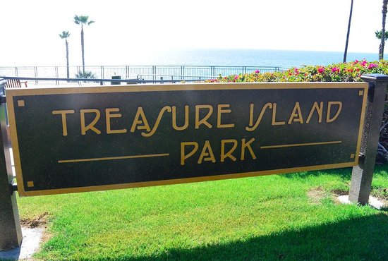 Laguna Beach: treasure island park