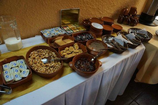 Los Girasoles Hotel: 朝食