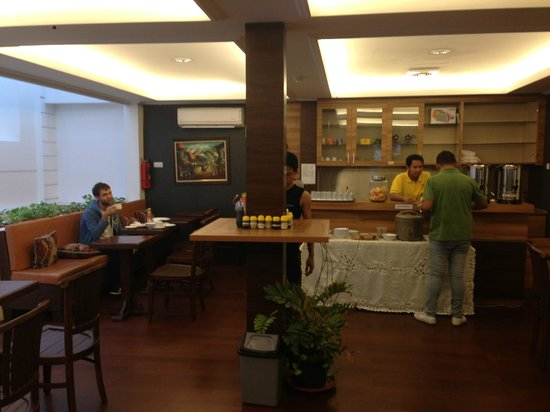Rumah Shinta: BReakfast area