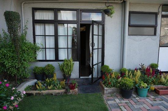 Sevana Guest House: balcony