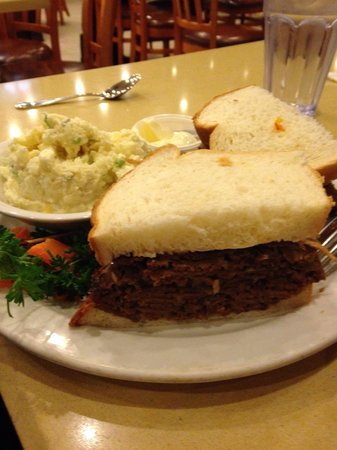 Agoura's Famous Deli & Restaurant : Meatloaf sandwich