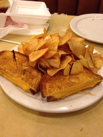 Agoura's Famous Deli & Restaurant : Grilled cheese