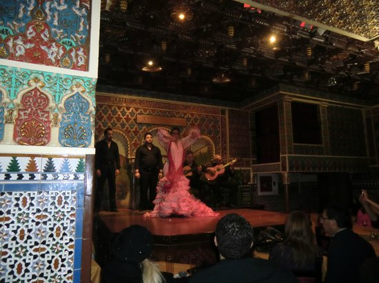 Hotel Liabeny: flamenco show nearby
