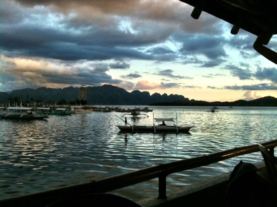 La Sirenetta Restaurant & Bar: View of the harbor and Coron Island in the distance