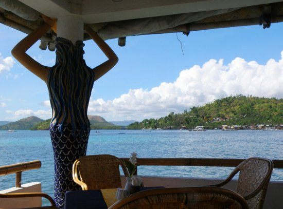 La Sirenetta Restaurant & Bar : One of the mermaids