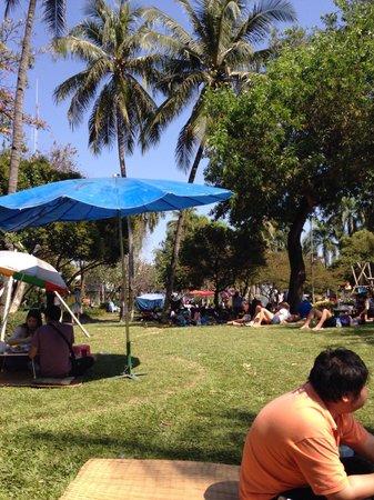 Buak Hard Public Park: Relax