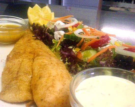 Gisters Restaurant: FRESH LINE FISH WITH SALAD