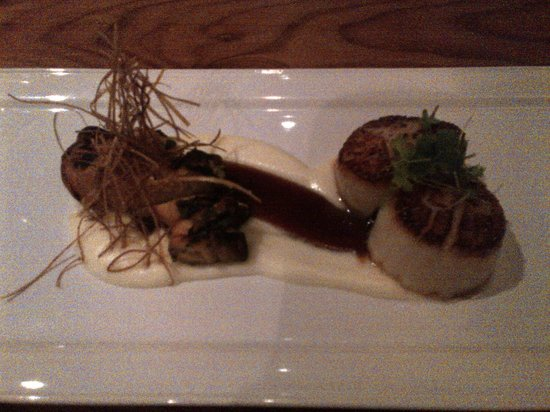Norwoods Restaurant: Scallop and octopus