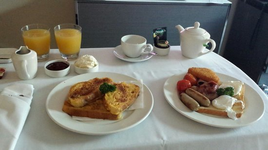 SKYCITY Hotel : In room dining