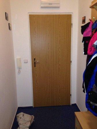 Cervenohorske Sedlo : Entrance hallway on our room