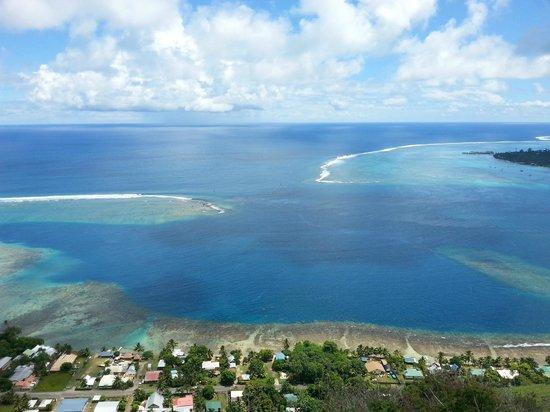 Fare Vaihere: Vista dalla magic mountain della baia di Opunohu