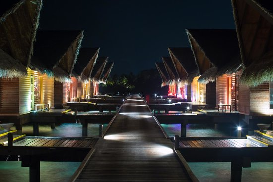 Adaaran Prestige Ocean Villas: Night view of the ocean villa