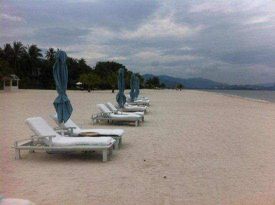 Four Seasons Resort Langkawi, Malaysia : The Beach