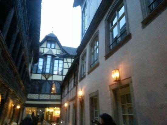 Hotel Cour du Corbeau Strasbourg - MGallery Collection: Cour de l'hôtel