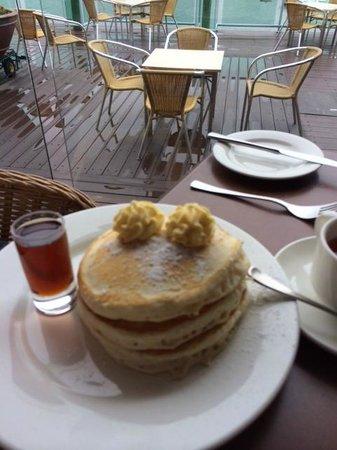 Burnett Riverside Motel: Pancakes at breakfast