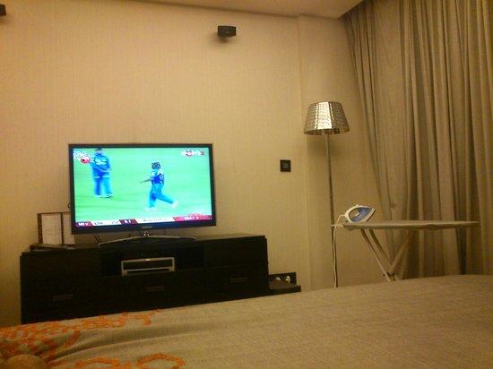Fraser Suites New Delhi: TV