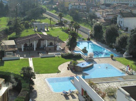 Wellness Hotel Terme delle Nazioni: Panorama dal bagno