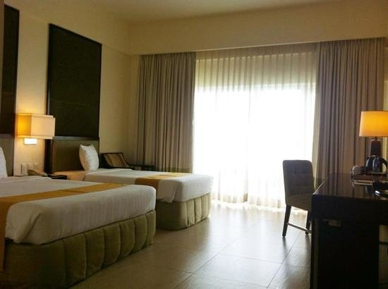 Taal Vista Hotel: premiere room lake wing