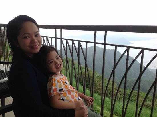Taal Vista Hotel: enjoying the tranquil view with my goddaughter