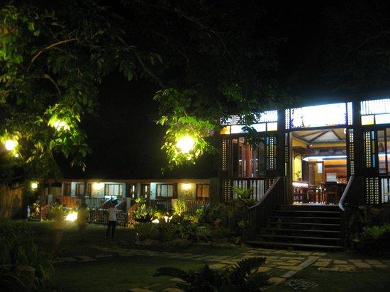 Sophia's Garden Resort : Front entrance to the restaurant