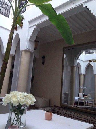 Riad les Orangers d'Alilia Marrakech: Le salon extérieur