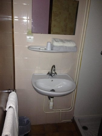 Hotel du Centre : Salle de bain