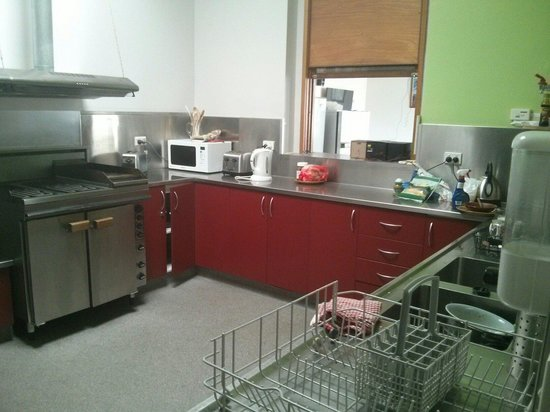 The Burnie Backpackers : Hostel Kitchen