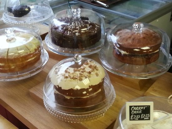 Greengages Cafe: Some of home made cakes.