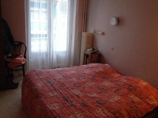 Hotel du Centre : Chambre 212