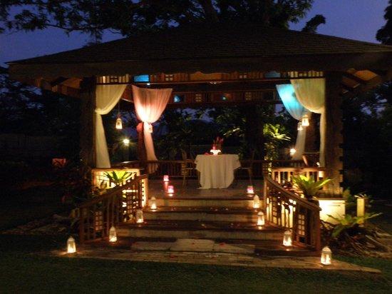 Sophia's Garden Resort : The gazebo decorated for a romantic dinner for two